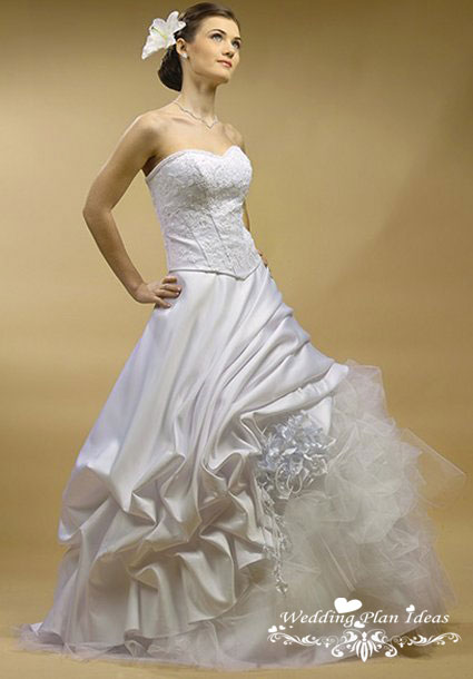 12 Hand Picked Beautiful Wedding Dresses Selection for 2011