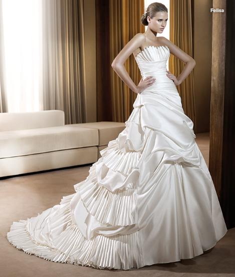 Classical Elegant Strapless Satin Wedding Dress Bridal Gown