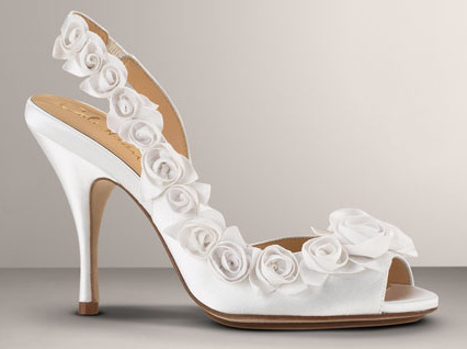 Comfortable Wedding Shoes with flower motive