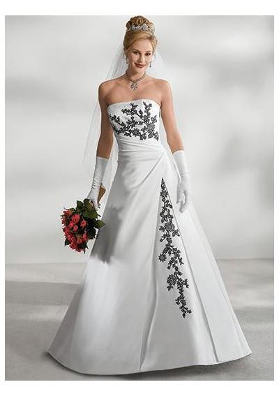 Elegant Strapless Satin Wedding Gown