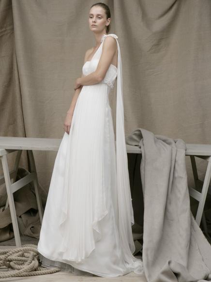 one shoulder wedding dress by acquachiara