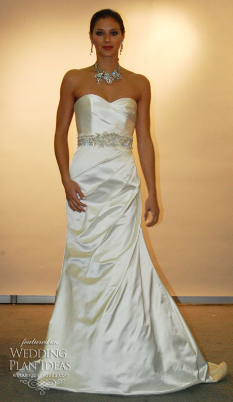 Optional Ornate Belt Wedding Dress