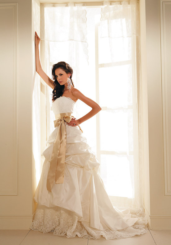 colored wedding dressesworlds best wedding dressescolored wedding gowns