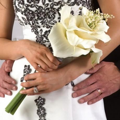 Simple big flower wedding bouquets