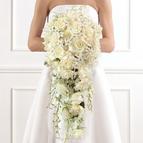 Inspiring White Flowered Wedding Bouquets